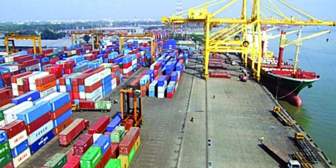 Strike of naval workers: 22 lakh tons of goods stuck in 967 ships