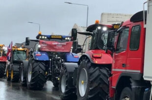 Tractors are being driven by Melton Mowbray in protest of the rules of agriculture